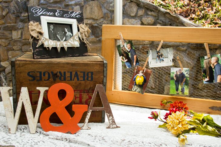 To go along with their rustic theme, the couple decorated with DIY burlap and lace decor.