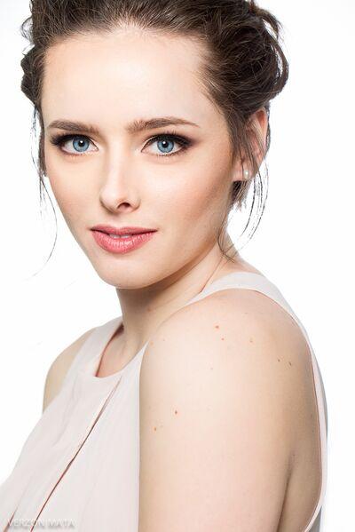 Charisse  Professional  Makeup Artist & Hair Stylist