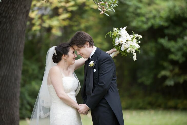 Abby chose a floor-length veil with a blusher, since Jewish weddings include a veiling ceremony.