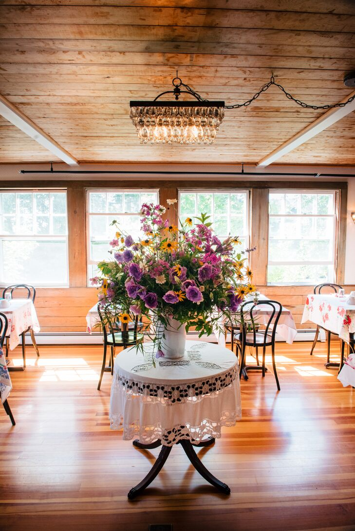 Cheerful Purple Rose and Black-Eyed Susan Centerpiece