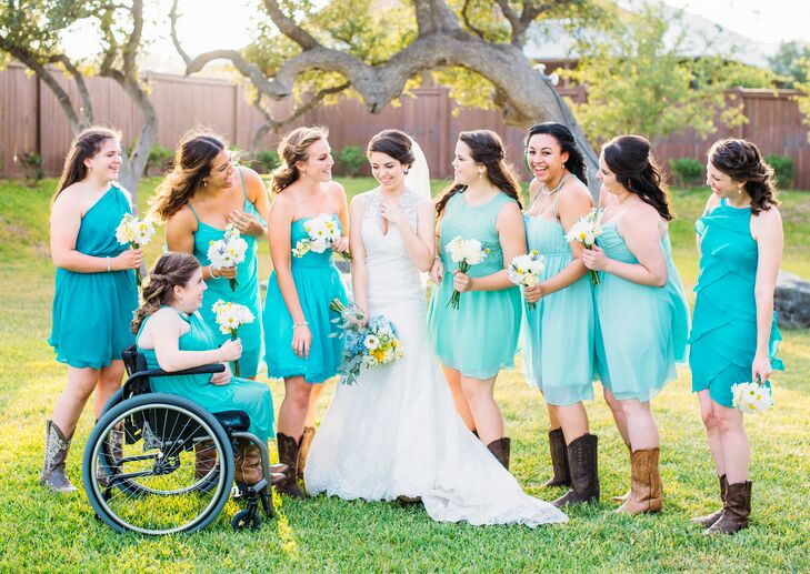 Ashley S Bridesmaids Chose Short Dresses In A Turquoise Hue That Best Suited Their Own Personal Style