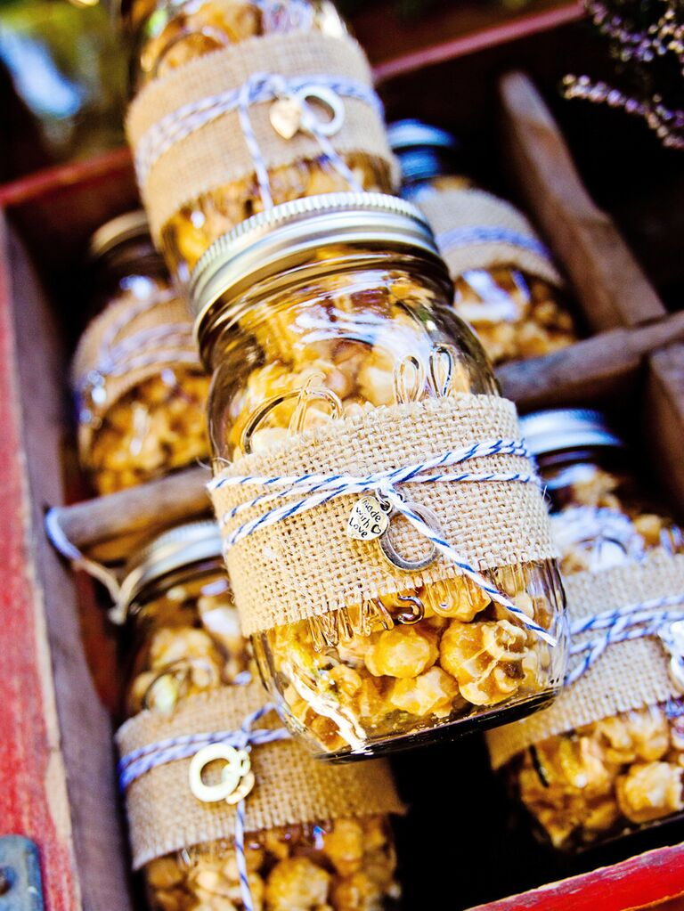 Caramel popcorn wedding favors