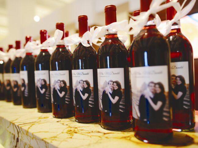 Personalized wine bottle wedding favors