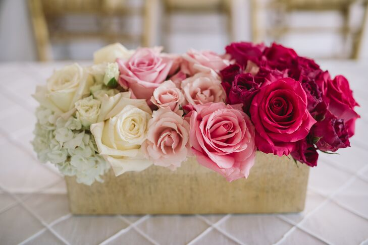 Glamorous Centerpiece with Ombré Roses in Pink
