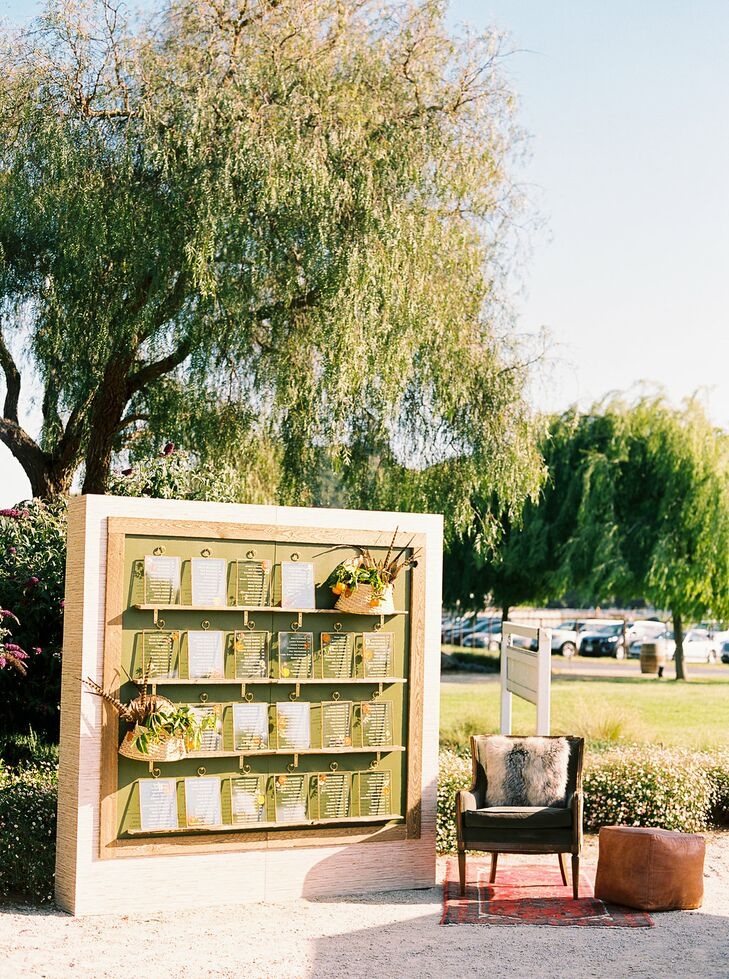 Simple, Modern Seating Chart Display