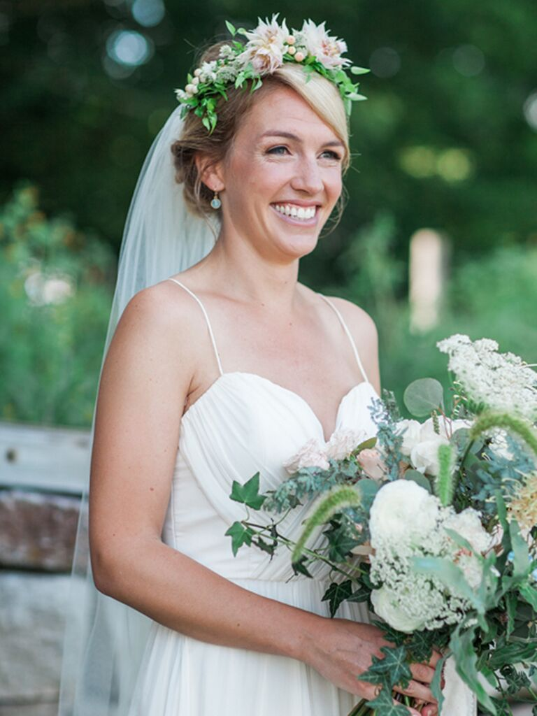 15 Ways To Wear A Veil And Flower Crown Combo