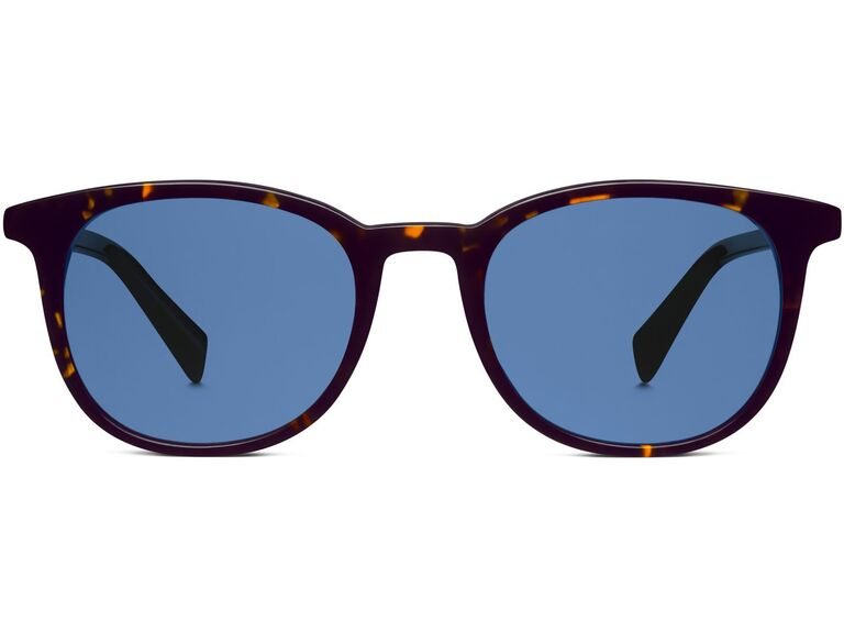 Tortoise shell sunglases with blue lenses