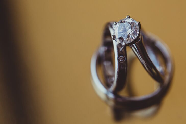Chengyuan proposed to Dongli with a round-cut diamond set in a simple silver band, which was positioned next to her silver wedding ring that was exchanged at the ceremony.