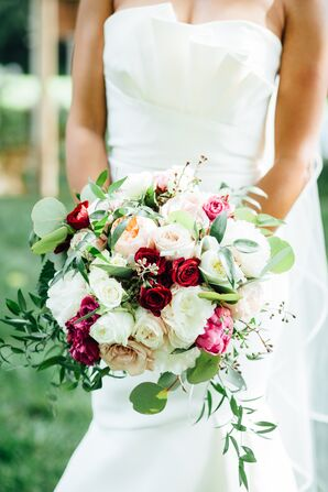 Dramatic Garden Rose Bouquet