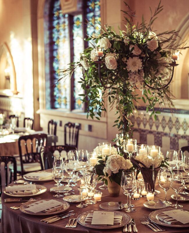 Photo: 2Me Studios/ Event Design: YourBash! / Featured: The Knot blog