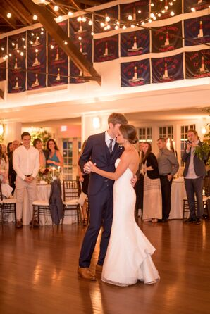 Bride Reveals Trumpet Dress for First Dance
