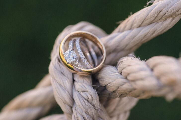The couple worked with Knox Jewelers in Minneapolis to create the perfect rings.