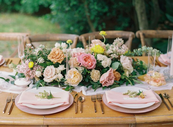 Romantic Rose Centerpiece and Elegant Place Setting