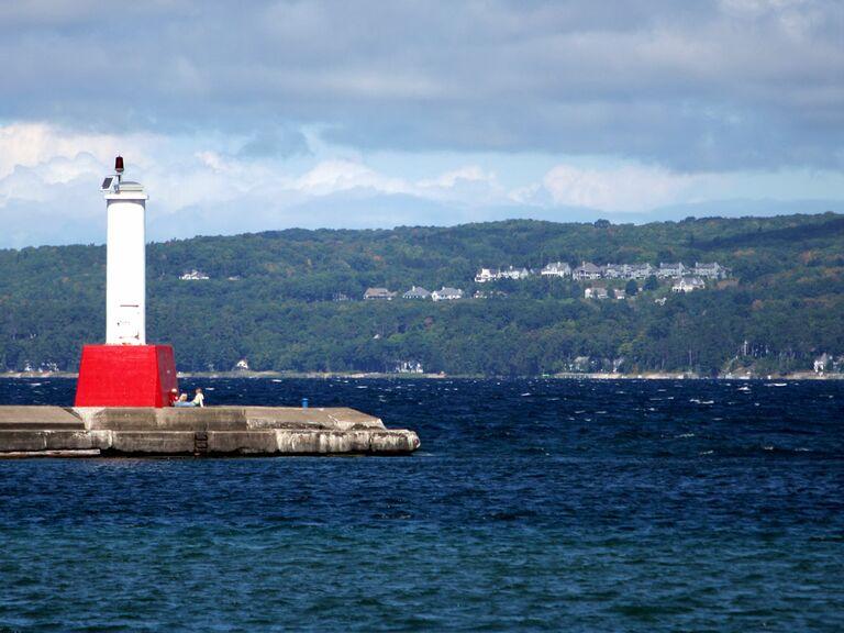 petoskey michigan lighthouse
