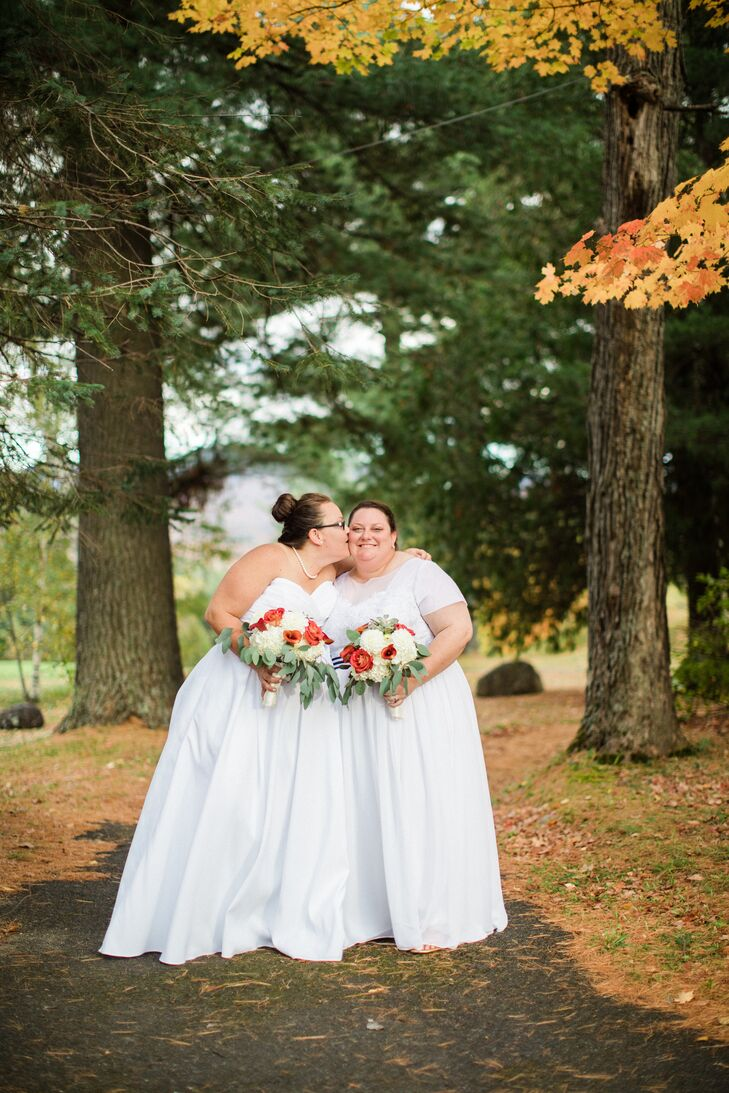 Sleek stripes and punchy polka dots put a playful, modern twist on Kate Preston and Katie DiFranco's fall wedding in Lake Placid, New York. The pair c