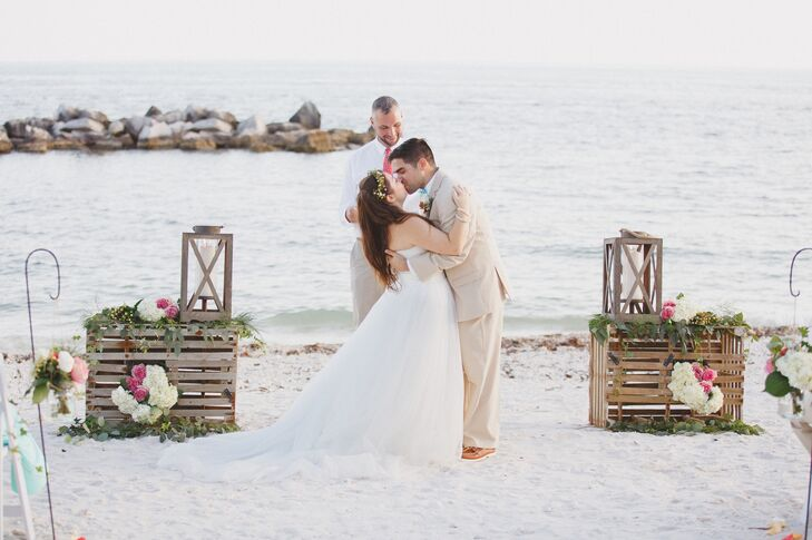 Jessica and Robert used two lobster traps as the focal point of their ceremony.