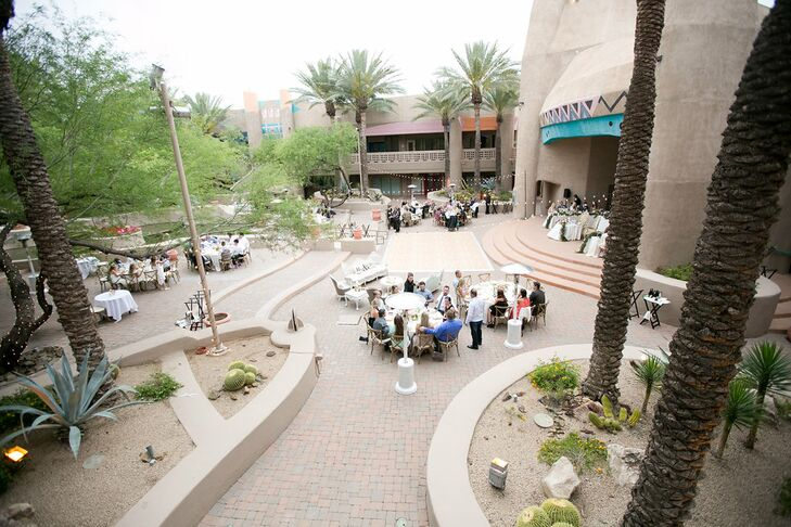 Amanda and Michael used indoor and outdoor spaces for the reception, which was also located in the resort's courtyard. Some tables were situated in the courtyard.