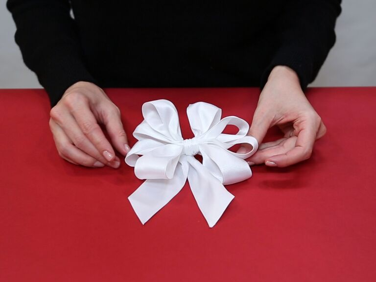 HOW TO MAKE AN ORIGAMI PAPER BOW. — Gathering Beauty | 576x768