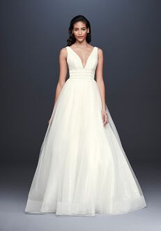 David's Bridal Galina Signature Style SV821 Ball Gown Wedding Dress