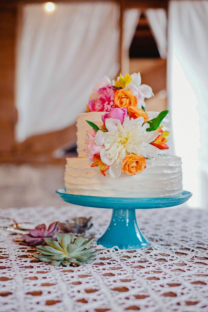 Rustic White Buttercream Cake With Fresh Flowers