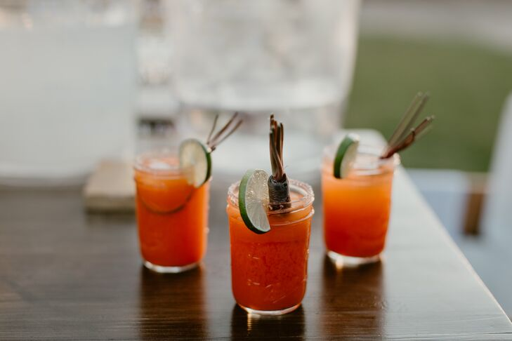 Signiature Cocktail in Mason Jar
