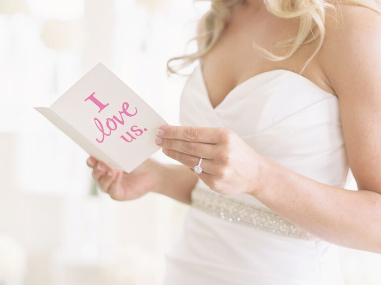 6 Meaningful Items to Keep in Your Wedding Dress Pockets