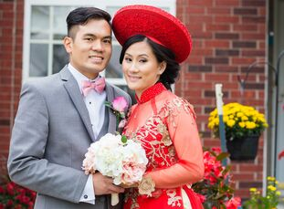 Kathy Nguyen (32 and a phlebotomist) and Jesse Nguyen (32 and a mechanical engineer) chose a gold and blush color combo as they filled what Kathy call