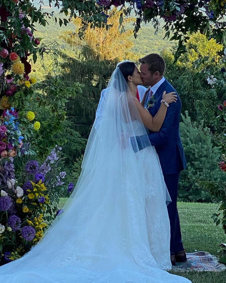 katie couric daughter ellie marries and shares first kiss