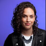 New York City, NY Comedian | Caitlin Peluffo