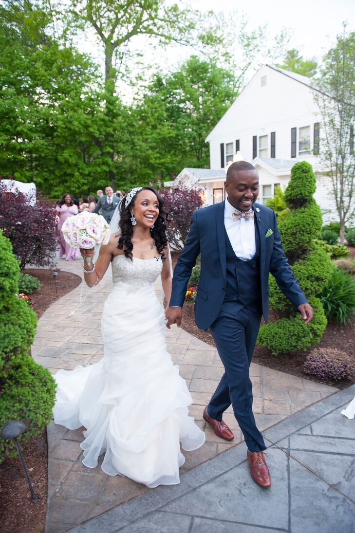 Diseanna Brown (29 and a private nanny) and Luke Joseph's (29 and a dental hygienist) wedding was a romantic, modern affair with a soft, classic color