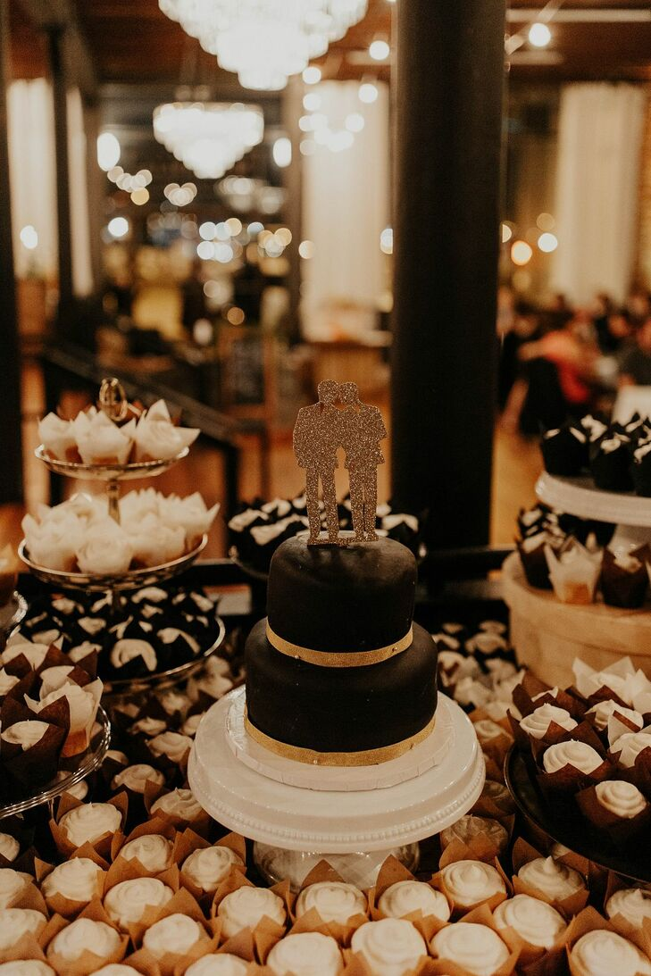 Cake and Cupcake for Wedding at Magnolia Venue and Urban Garden in Kansas City, Missouri