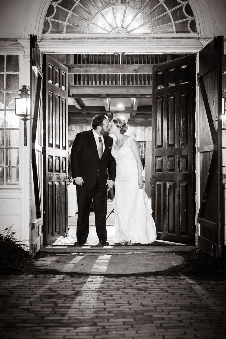 The couple was inspired by the eclectic, mismatched decor of their venue, Publick House Historic Inn.