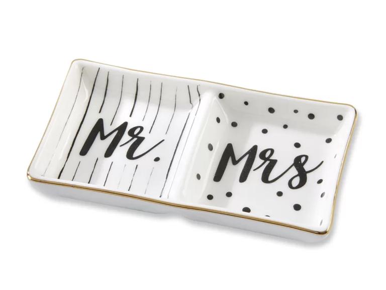 engagement ring holder ideas ceramic Mr. and Mrs.