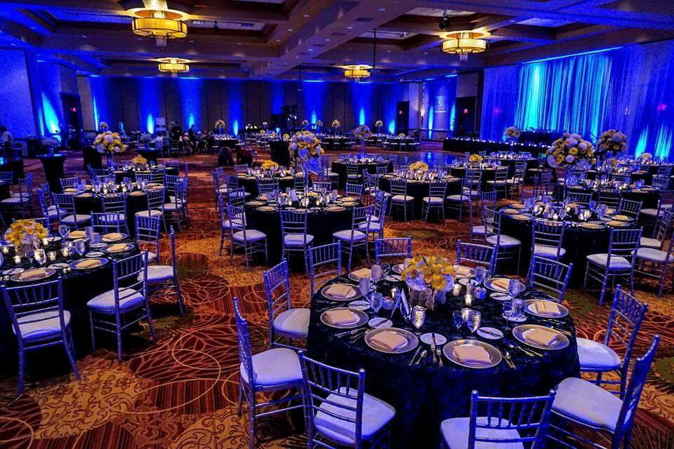 wedding reception crowne plazspringfield il%0A BloomingtonNormal Marriott Hotel  u     Conference Center