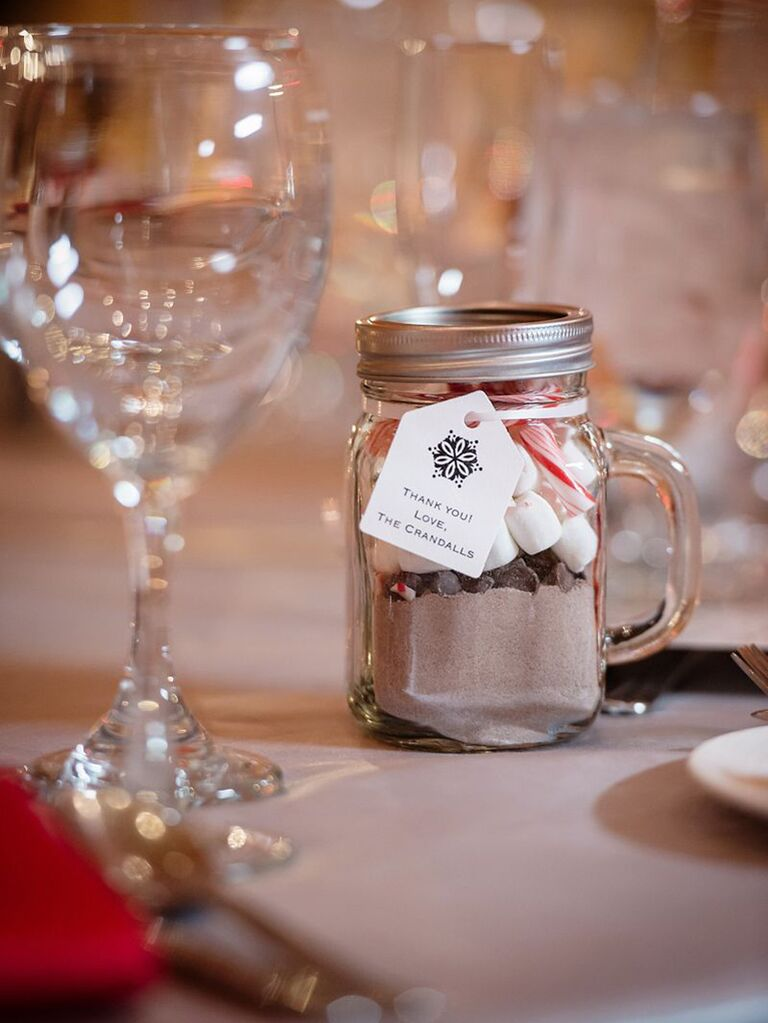12 Winter Wedding Favors Guests Will Get Excited About