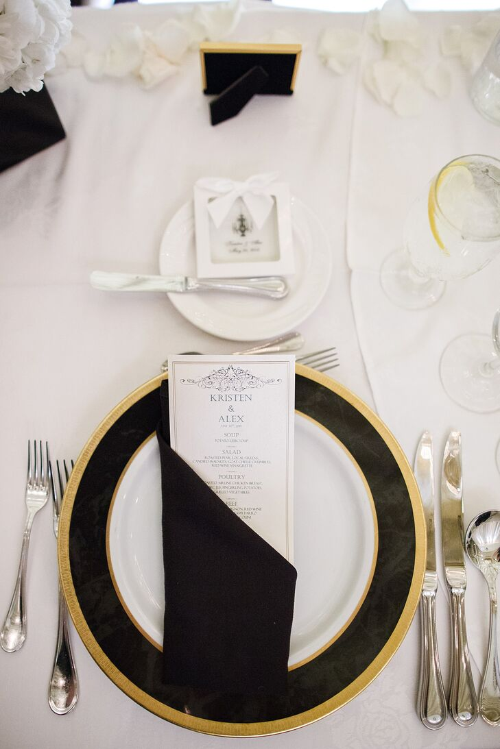 Gold chargers popped against black-and-white dinnerware and linens for a look that was glam and elegant.