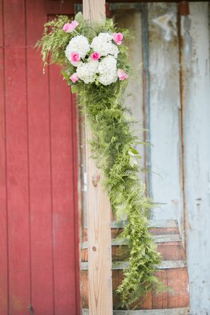 Pink and White Ceremony Flower Arrangements