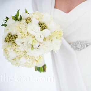White Floral and Juniper Berry Bouquet