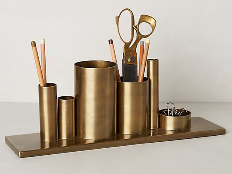 1. A chic metallic pencil holder set will be the perfect addition to either your wifeu0027s home office or work desk. & 7 Year Anniversary Gift Ideas