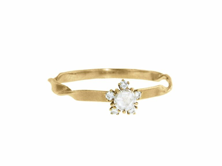 Rose cut diamond on twisted band in 18K beige gold