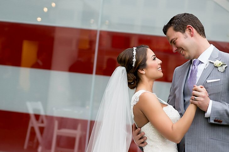 Dana Braytenbah (31 and a cosmetics coordinator for a plastic surgeon) and Jay Lappen's (37 and a medical-device sales manager) wedding was a fusion o