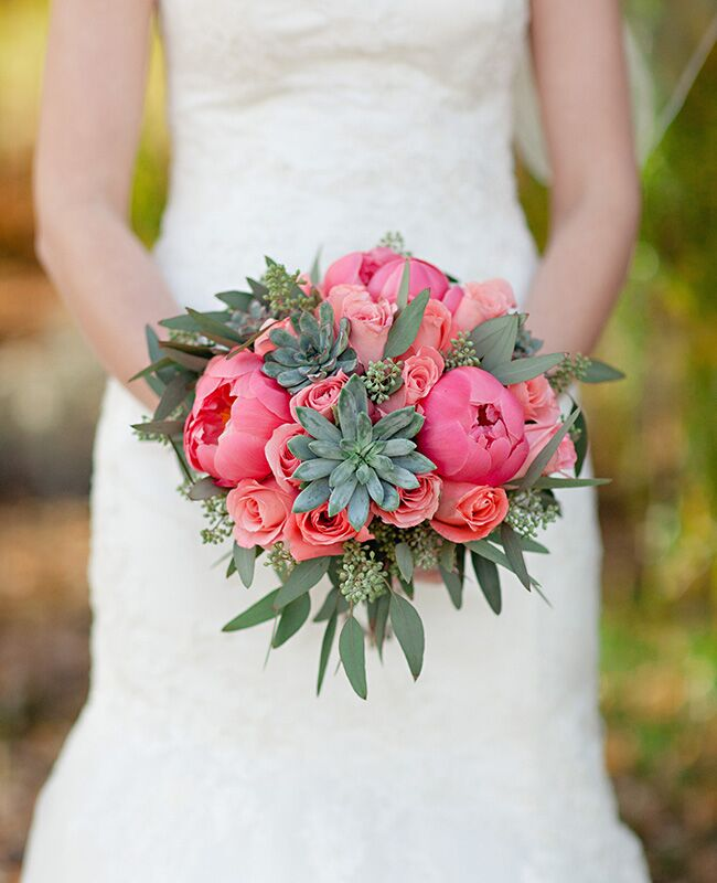 Wedding Bouquets Boutonnieres And Centerpieces With Eucalyptus