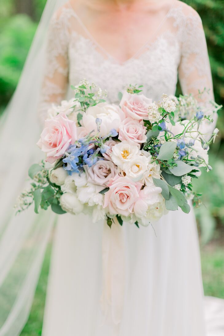 Romantic Bouquet with Pastel Roses