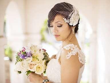Vintage birdcage veil with floral details