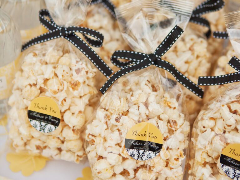 What Are Some Good Destination Wedding Favors?