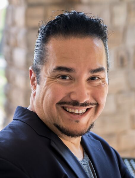 Tenor Hugo Castillo - Opera, Latin & More - Opera Singer - Los Angeles, CA