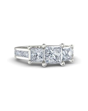 Gemvara - Customized Engagement Rings Princess Cut Engagement Ring