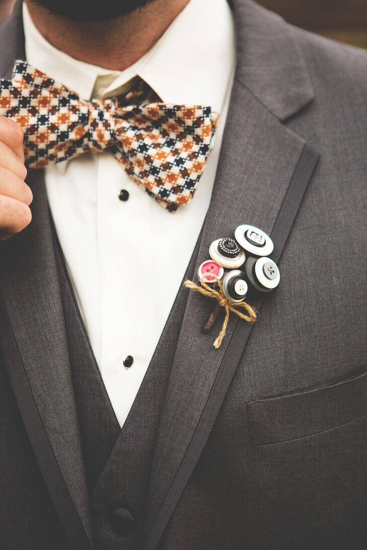 Nicole's mother created vintage button boutonnieres for a charming, one-of-a-kind look.