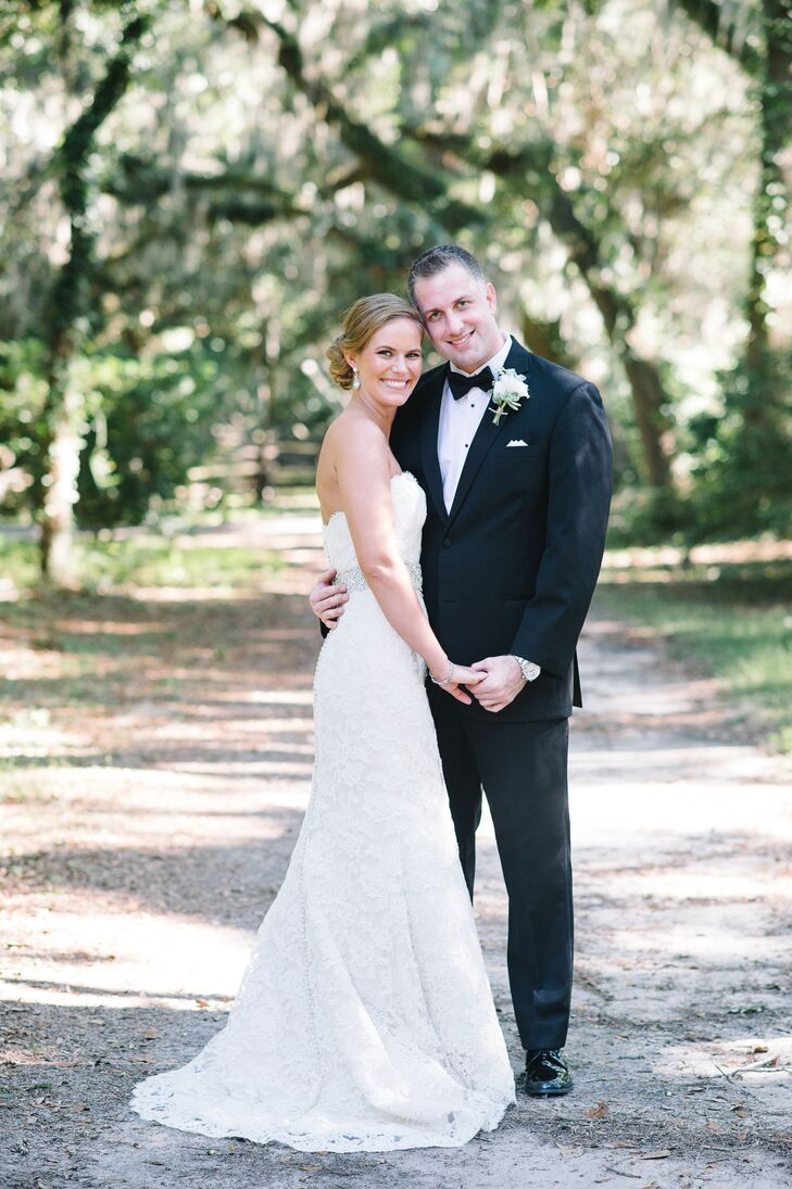 For their wedding, Jaci Sites (30 and a veterinarian) and Kyle Wells's (31 and a commercial real estate developer) fused timeless elegance with natura
