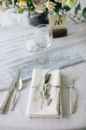 Simple Rustic Place Setting with Dried Flowers